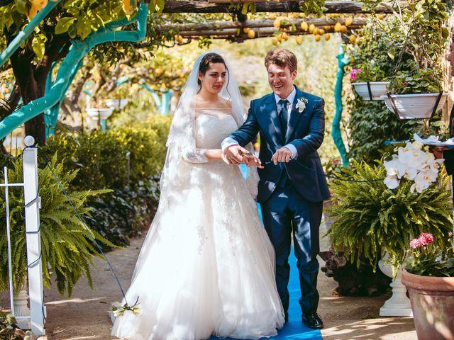 Il matrimonio di Gennaro e Anastasia a Procida, Napoli 38