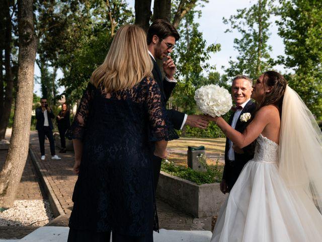 Il matrimonio di Mattia e Angela a Albarella, Rovigo 16