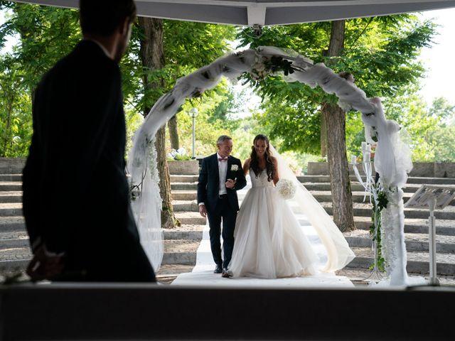 Il matrimonio di Mattia e Angela a Albarella, Rovigo 17