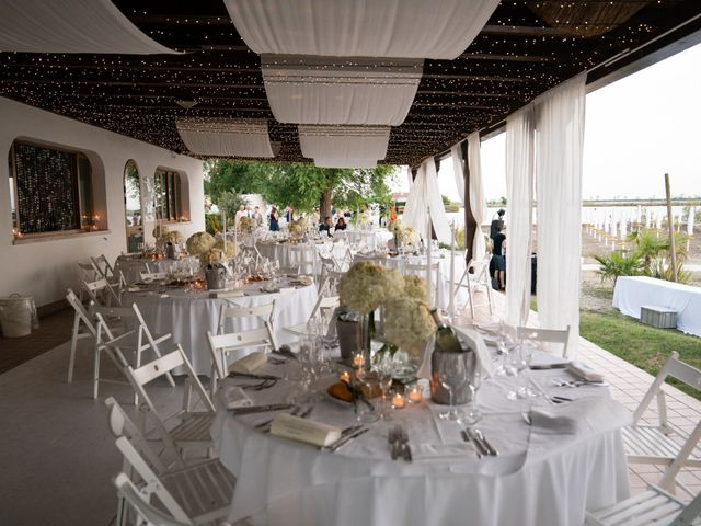 Il matrimonio di Mattia e Angela a Albarella, Rovigo 40