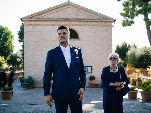 Il matrimonio di Mauro e Martha a Civitanova Marche, Macerata 23