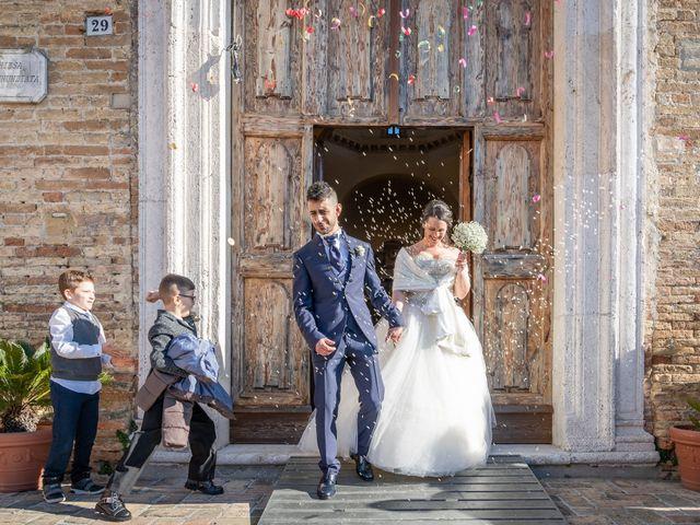 Il matrimonio di Fabio e Maria a Roseto degli Abruzzi, Teramo 20