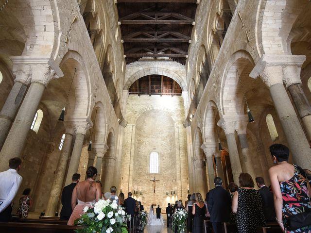 Il matrimonio di Carlo e Francesca a Trani, Bari 25