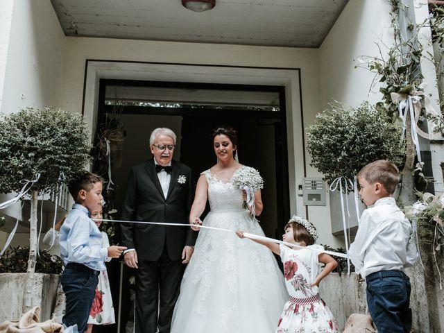 Il matrimonio di Liberato e Chiara a Cellino Attanasio, Teramo 35