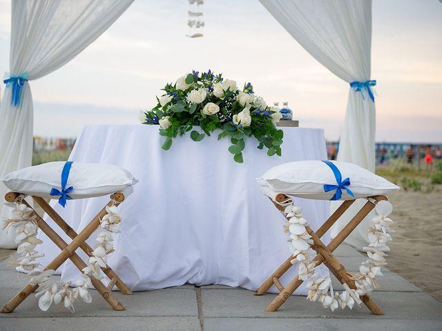 Il matrimonio di Erik e Valentina a Viareggio, Lucca 4