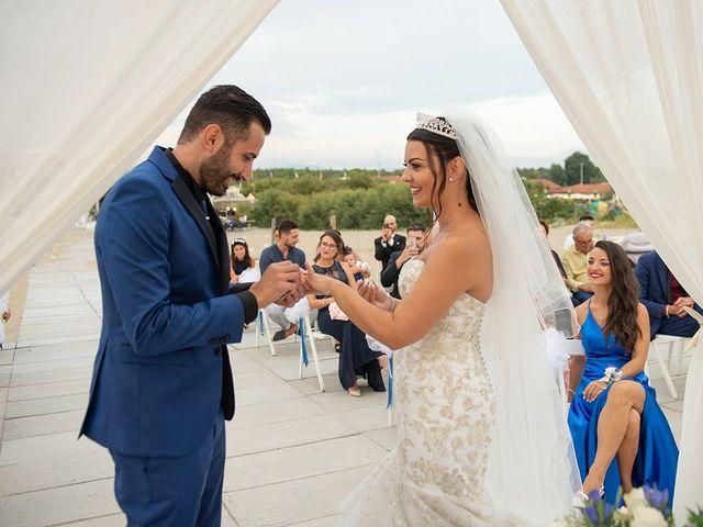 Il matrimonio di Erik e Valentina a Viareggio, Lucca 12
