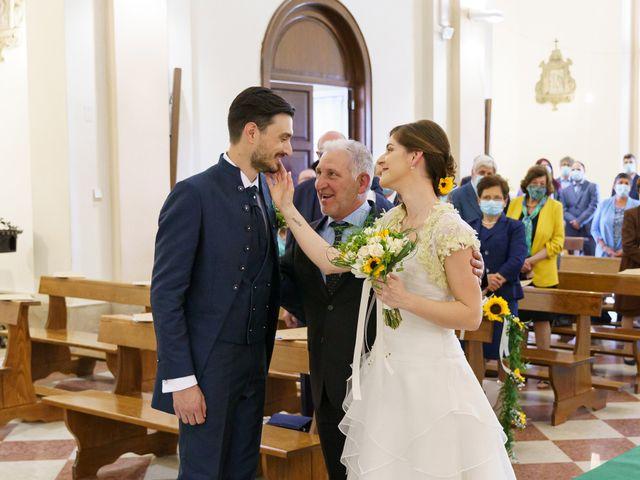 Il matrimonio di Andrea Valerio e Silvia a Due Carrare, Padova 30