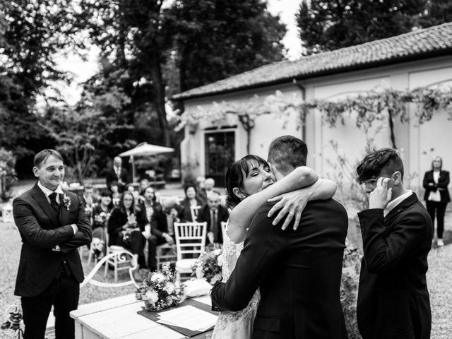 Il matrimonio di Walter e Deborah a Rovellasca, Como 110