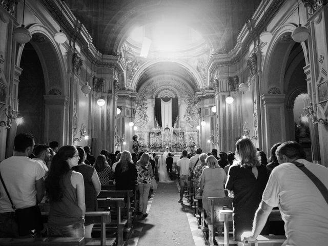 Il matrimonio di Claudio e Valentina a Pozzuoli, Napoli 24
