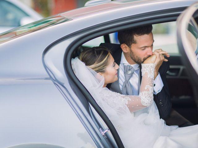 Il matrimonio di Claudio e Valentina a Pozzuoli, Napoli 33