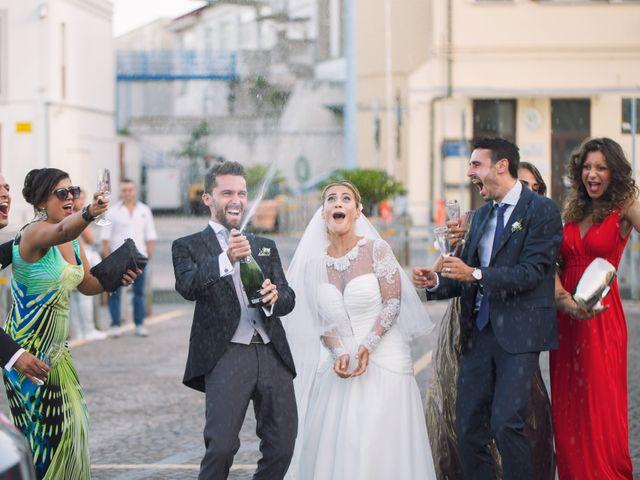 Il matrimonio di Claudio e Valentina a Pozzuoli, Napoli 36