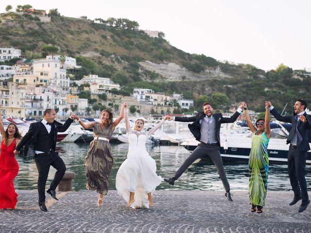 Il matrimonio di Claudio e Valentina a Pozzuoli, Napoli 41