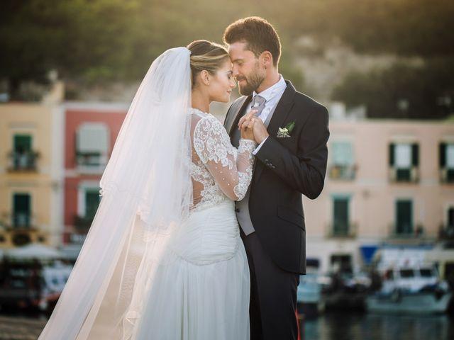 Il matrimonio di Claudio e Valentina a Pozzuoli, Napoli 43