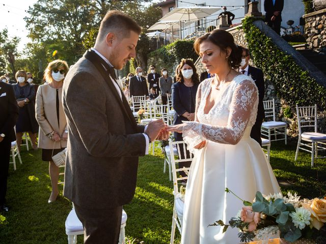 Il matrimonio di Luca e Elisa a Merate, Lecco 33