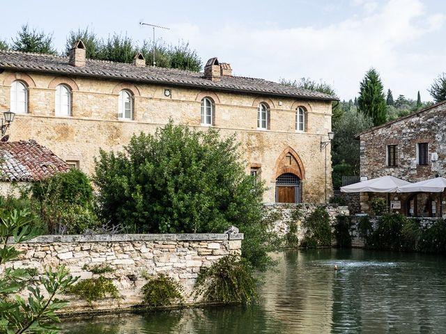 Il matrimonio di Mattia e Raffaella a San Quirico d'Orcia, Siena 3