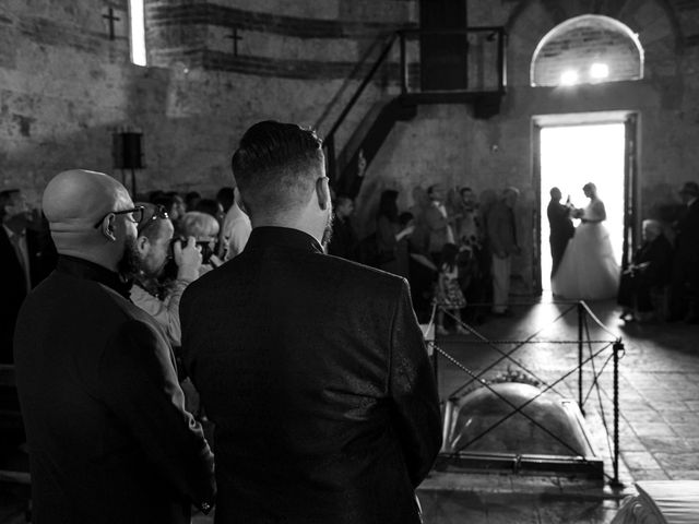Il matrimonio di Giovanni e Loredana a Chiusdino, Siena 19