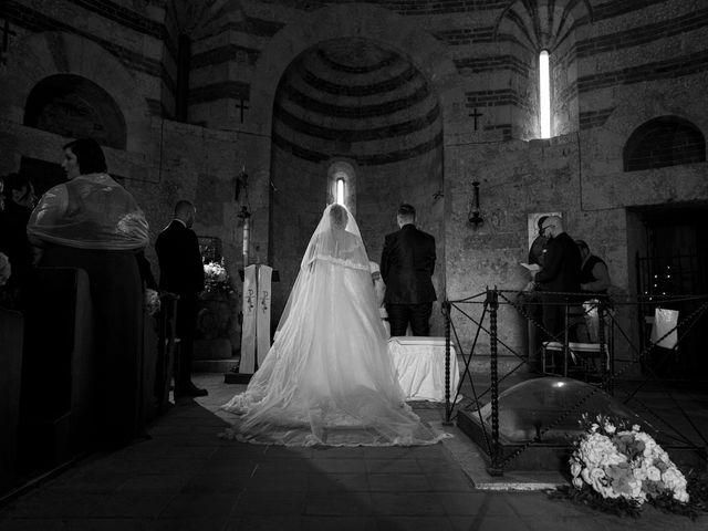 Il matrimonio di Giovanni e Loredana a Chiusdino, Siena 20