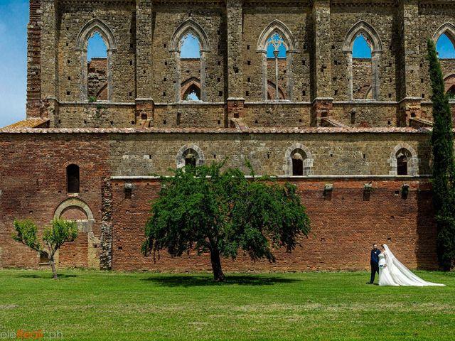 Il matrimonio di Giovanni e Loredana a Chiusdino, Siena 24