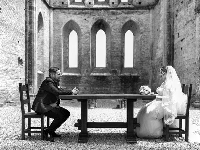 Il matrimonio di Giovanni e Loredana a Chiusdino, Siena 30