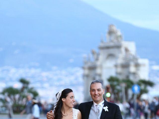 Il matrimonio di Marco e Viviana a Napoli, Napoli 16