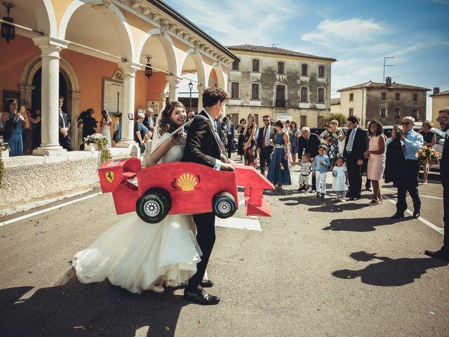 Il matrimonio di Giuseppe e Laura a Colle Umberto, Treviso 27