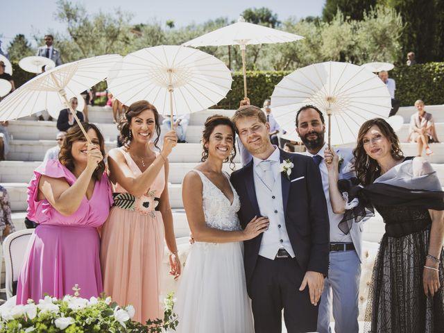 Il matrimonio di Michele e Ainelen a Mogliano, Macerata 12