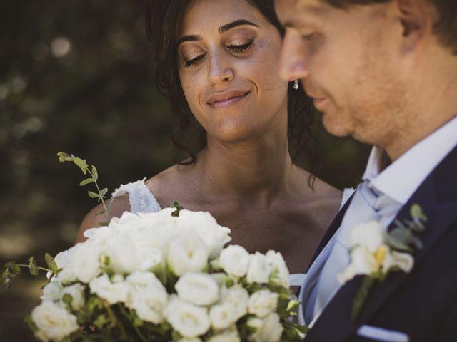 Il matrimonio di Michele e Ainelen a Mogliano, Macerata 15