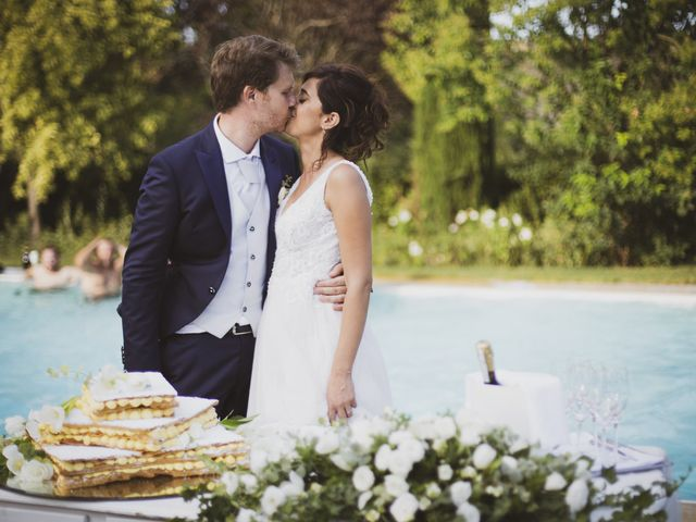 Il matrimonio di Michele e Ainelen a Mogliano, Macerata 24