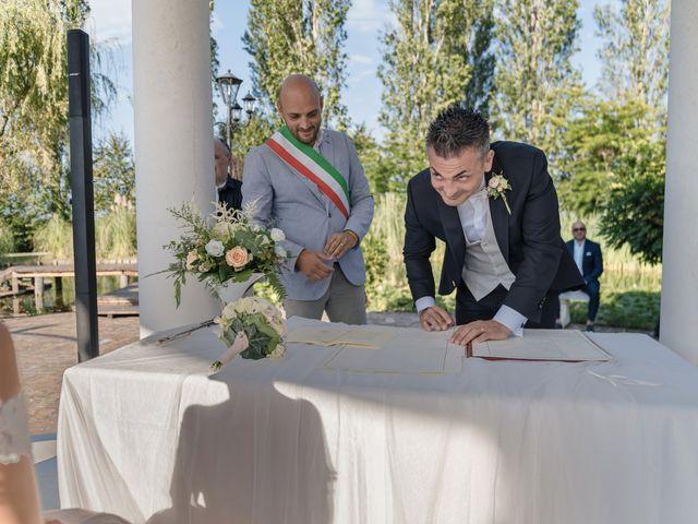 Il matrimonio di Serafino e Erica a Torre di Mosto, Venezia 32