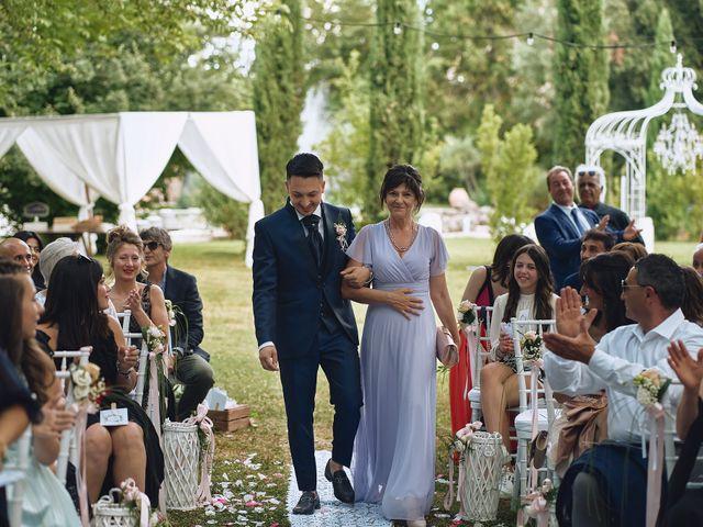 Il matrimonio di Lorenzo e Tanya a Foligno, Perugia 30