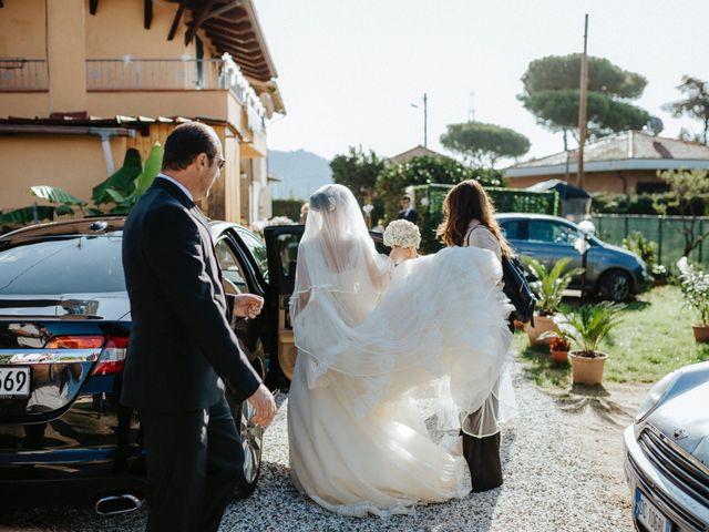 Il matrimonio di Arianna e Leonardo a Viareggio, Lucca 25