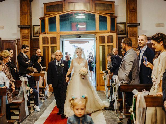 Il matrimonio di Arianna e Leonardo a Viareggio, Lucca 28