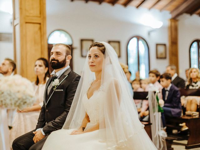 Il matrimonio di Arianna e Leonardo a Viareggio, Lucca 31