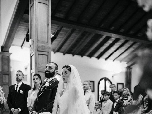 Il matrimonio di Arianna e Leonardo a Viareggio, Lucca 35