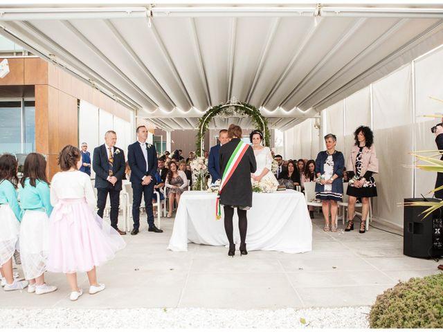 Il matrimonio di Roberto e Patrizia a Viareggio, Lucca 27