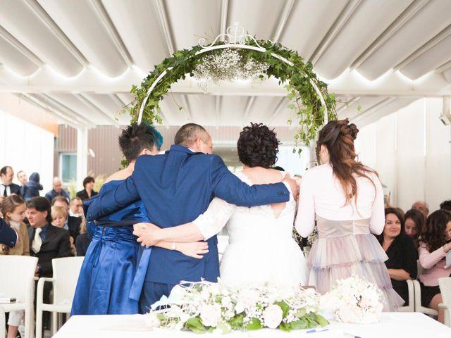 Il matrimonio di Roberto e Patrizia a Viareggio, Lucca 41