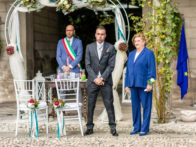 Il matrimonio di Matteo e Elena a Erba, Como 12