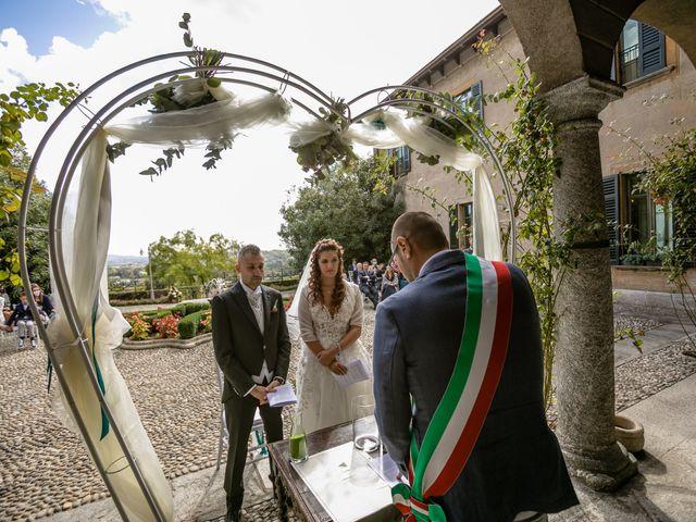 Il matrimonio di Matteo e Elena a Erba, Como 17