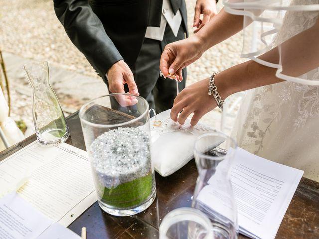 Il matrimonio di Matteo e Elena a Erba, Como 18