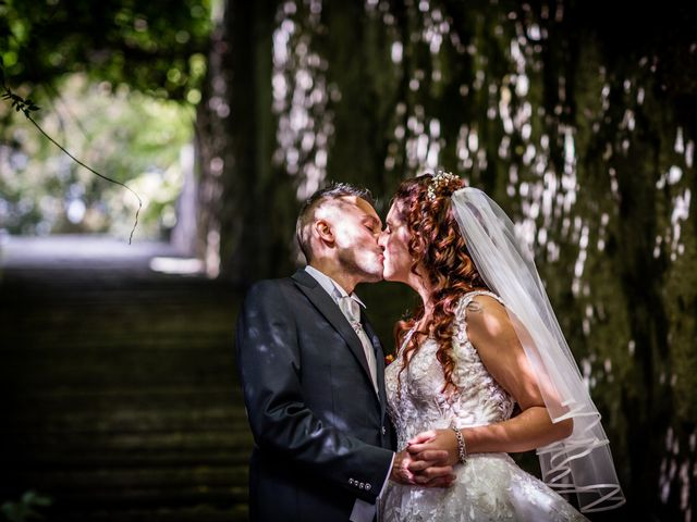 Il matrimonio di Matteo e Elena a Erba, Como 22