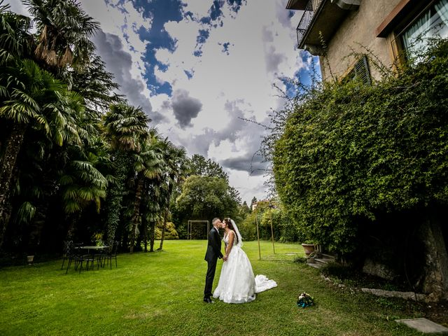 Il matrimonio di Matteo e Elena a Erba, Como 25