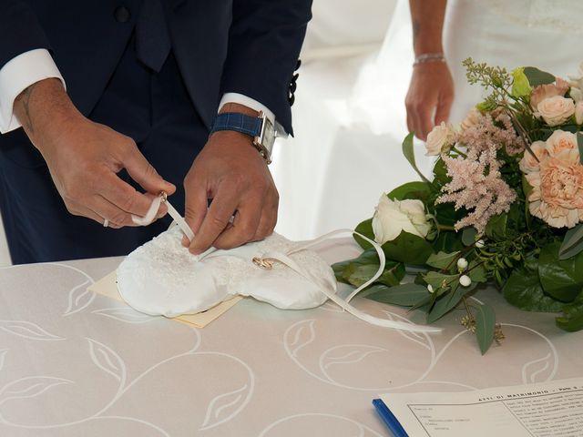 Il matrimonio di Massimiliano e Antonella a Concorezzo, Monza e Brianza 46
