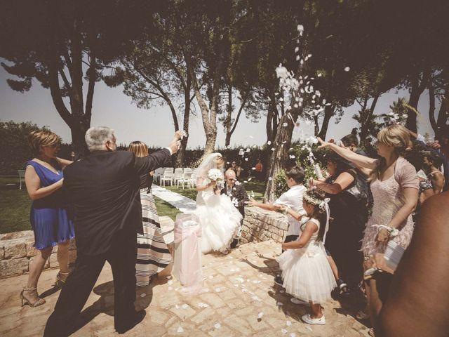 Il matrimonio di Giovanni e Laura a Turi, Bari 16