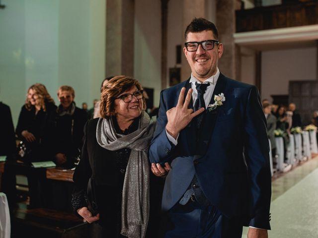 Il matrimonio di Mirko e Sara a Borgomanero, Novara 21
