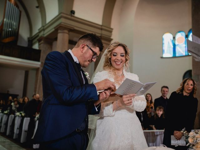 Il matrimonio di Mirko e Sara a Borgomanero, Novara 28