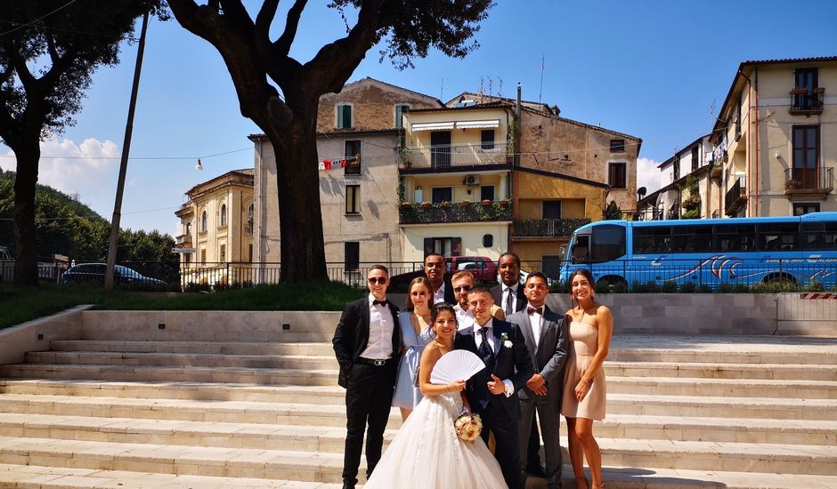 Il matrimonio di Dario e Elvina a Cosenza, Cosenza