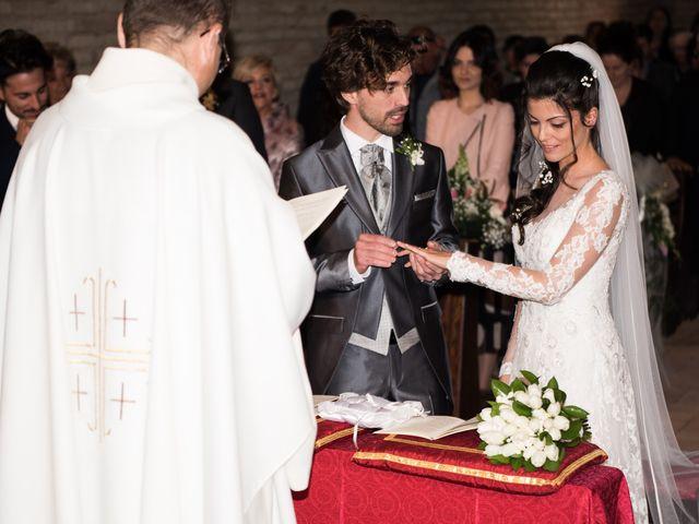 Il matrimonio di Michele e Sara a Monte Roberto, Ancona 16