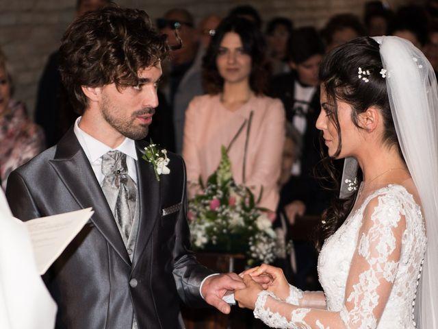 Il matrimonio di Michele e Sara a Monte Roberto, Ancona 17