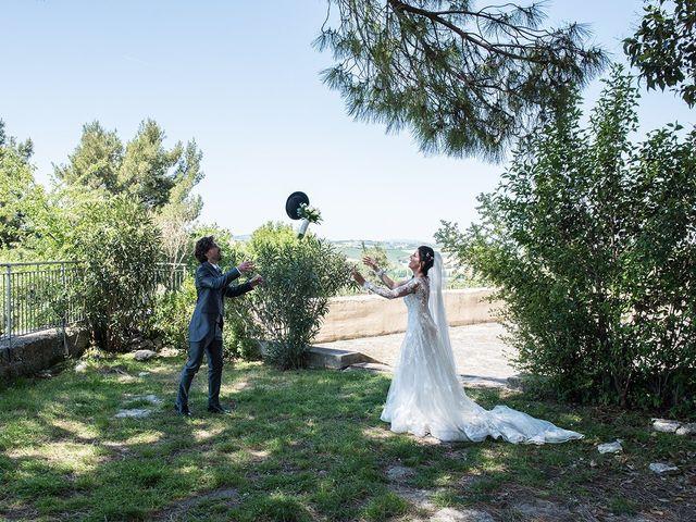 Il matrimonio di Michele e Sara a Monte Roberto, Ancona 23