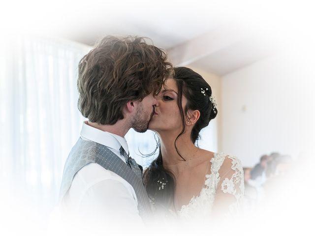 Il matrimonio di Michele e Sara a Monte Roberto, Ancona 37